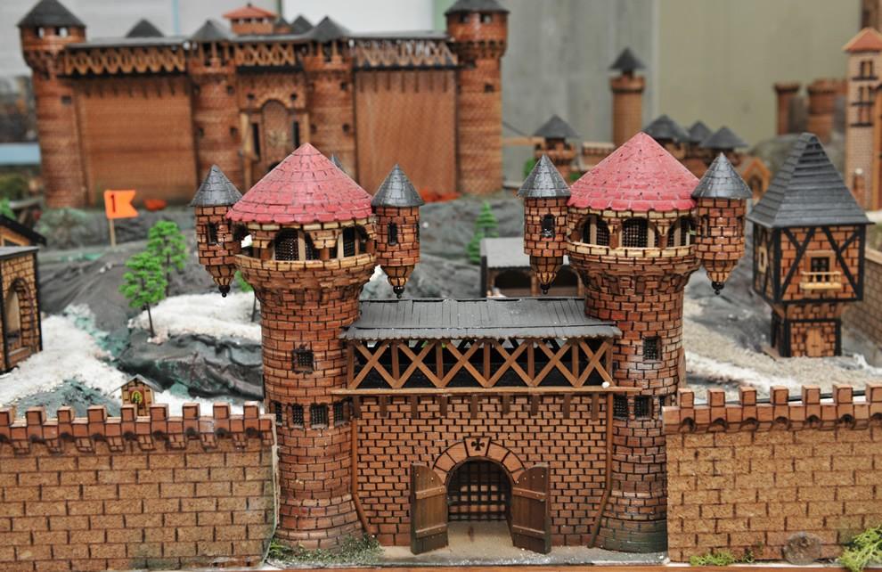 Medioevo - Feudalesimo   Civica Galleria Figurino Storico