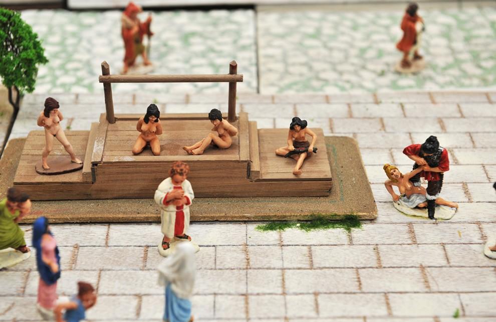 La Civiltà di Roma - Mercato degli Schiavi | Civica Galleria Figurino Storico